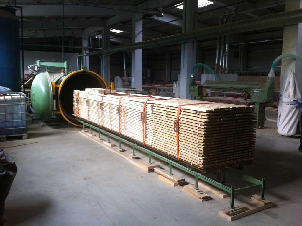 Traitement et impr gnation du bois rolam for Carbonyle traitement du bois